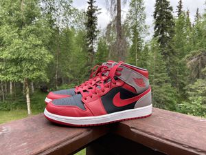 Jordan Retro 1 Mid Fire Red Cement for Sale in Anchorage, AK