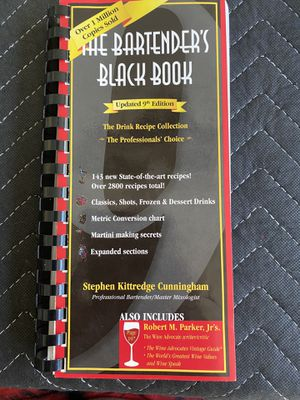 The bartenders black book 9th edition, 2800 plus recipes. Great condition for Sale in Bradenton, FL