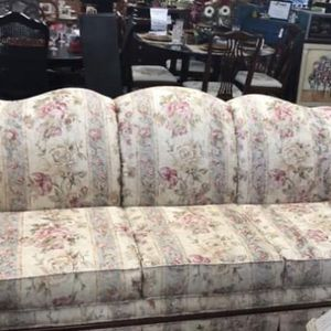 Broyhill Floral Couch for Sale in Marietta, GA