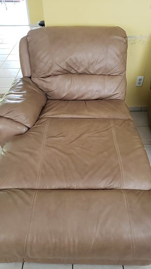 Sofa / couch for Sale in TWN N CNTRY, FL