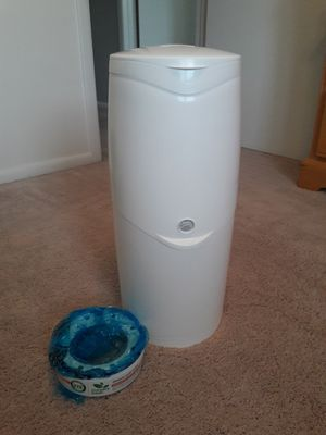 Diaper Genie 2 with pail refill for Sale in Cranberry Township, PA