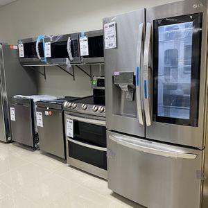 Kitchen Appliances Refrigerator Stove Dishwasher Microwave for Sale in Fort Lauderdale, FL