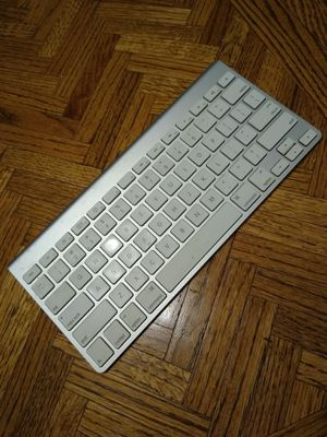 Wireless apple keyboard $20 FIRM **pick up in Carmichael for Sale in Sacramento, CA
