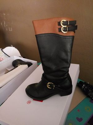 Girls boots size 11c and 12c for Sale in Avondale, AZ