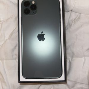 iPhone 11 Pro Max 64 GB - T MOBILE for Sale in Tacoma, WA