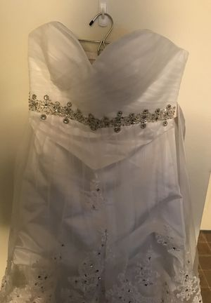 Wedding Dress for Sale in Fort Leonard Wood, MO