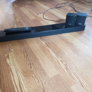 Bose soundtouch 300 Soundbar and Bose Virtually Invisable 300 Speakers for Sale in Federal Way, WA
