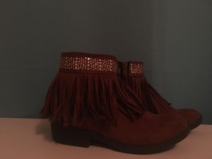 Girls fringe cowgirl boots for Sale in Melrose Park, IL