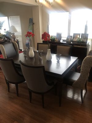 Dining Table and matching chairs for Sale in Ashburn, VA