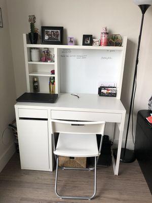 White desk - $120 for Sale in Bellevue, WA