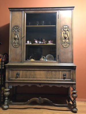 Antique Wood China Cabinet for Sale in West Los Angeles, CA