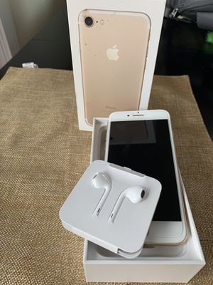 iPhone 7 - 128G (bought at AT&T) for Sale in Kirkland, WA