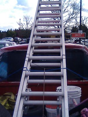 Advanced ladders 28ft for Sale in Joint Base Lewis-McChord, WA