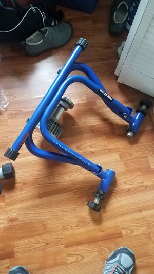 Blackburn Trackstand Fluid bicycle trainer for Sale in Alexandria, VA