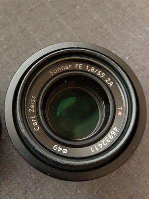 Sony - Sonnar T FE 55mm f/1.8 ZA Lens SELLING FOR PARTS. Not working. for Sale in Los Angeles, CA