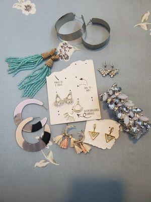 New & gently jewelry for Sale in Auburn, WA