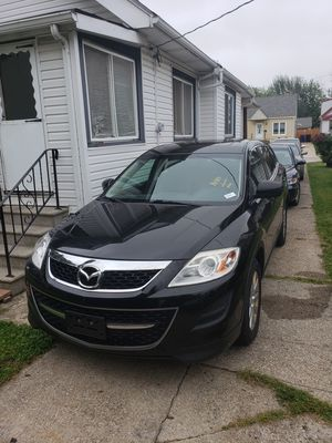 2010 Mazda cx9 for Sale in Cleveland, OH