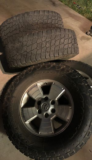 Toyota Tacoma Rims (4)with Nitto Terra Grapplers(4) for Sale in Perris, CA