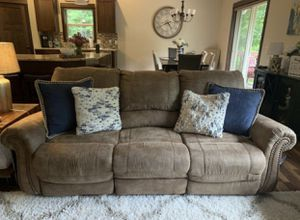Shevezy furniture..obserson power Recycling sofa and power reclining loveseat for Sale in Eau Claire, WI