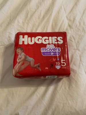 Huggies size 5 diapers for Sale in Spring, TX