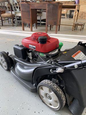 Honda hrx 217 mower for Sale in Olympia, WA