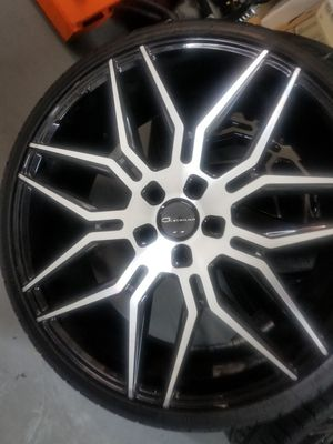 """22"""" Staggered Gia's off 7 series BMW for Sale in Las Vegas, NV"""