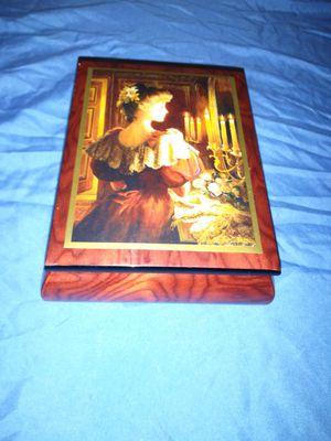 Brenda Burke candle light antique music box for Sale in Tampa, FL