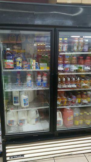 True Manufacturing Co. 2 Door refrigerator for Sale in Vinton, VA