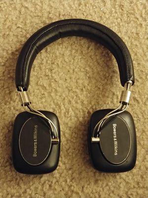 Bowers & Wilkins P5 Wireless Headphone RC (Black) for Sale in Kenmore, WA