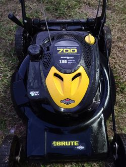 Brute Self Propelled Lawn Mower. for Sale in Cape Coral,  FL