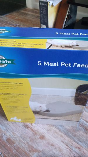 Pet safe brand new UNOPENED AUTO FEEDER for Sale in Morrisville, NC