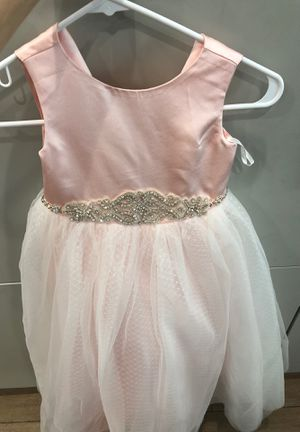 Flower girl dress size 4/5 - pink w/ rhinestones for Sale in Miami, FL