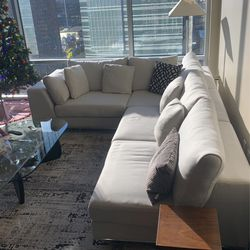 L Shaped Couch. 1 1/2 Years Old. Can Separate And Become 2 couches for Sale in Austin,  TX