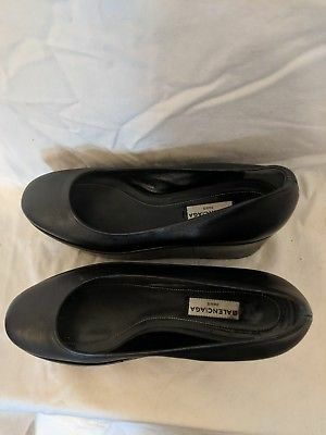 Size it 37 Balenciaga leather platform for Sale in St. Louis, MO