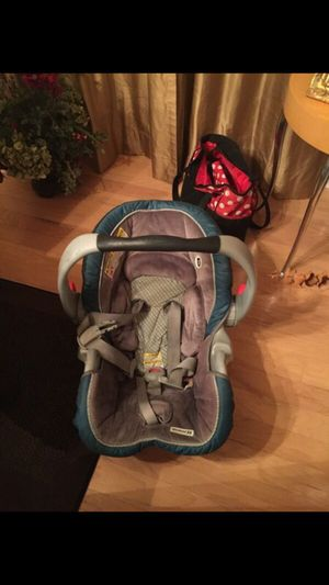 Graco car seat 5 to 35 lbs for Sale in Nashville, TN