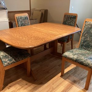 Free Oak Table And Chairs for Sale in Woodway, WA