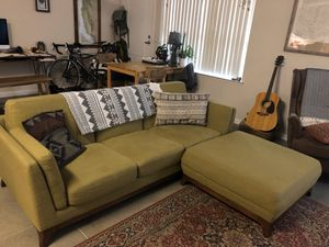 Mid Century Modern Sofa with matching Ottoman for Sale in Fresno, CA