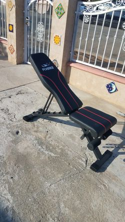 Adjustable 500lb capacity workout bench for Sale in Montebello,  CA