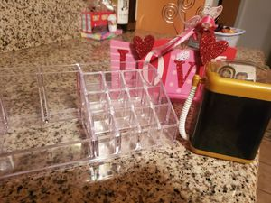 Lipstick holder, beauty blender washing machine, LOVE sign for Sale in Fresno, CA