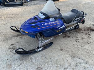 """2002 ski-doo legend 700 """"FOR PARTS"""" been sitting for Sale in Shirley, MA"""