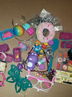 Lot For Little Girls Over 5 Toys Cute $5 for Sale in Fresno,  CA