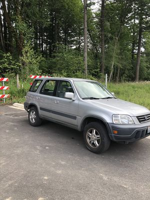 Honda CR-V for sale ( car runs but it needs work) for Sale in Portland, OR