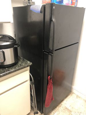 Black Refrigerator for Sale in Los Angeles, CA