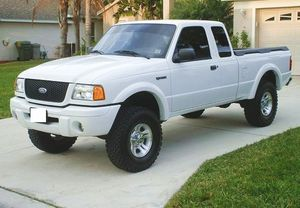 2OO2 Ford Ranger Regular Cab Like New for Sale in New Orleans, LA