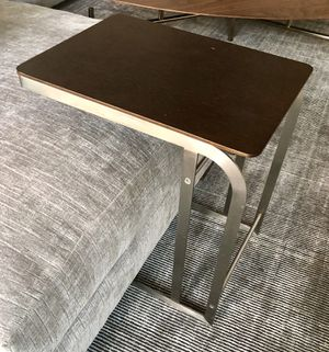 C-shaped end table for Sale in Los Angeles, CA