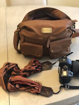 Kelly Moore leather camera bag for Sale in Herndon, VA