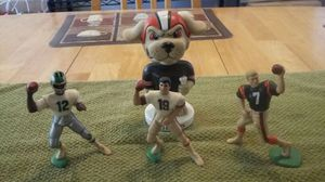 3 collectables quarter Backs and chomps Cleveland Browns mascot for Sale in Las Vegas, NV