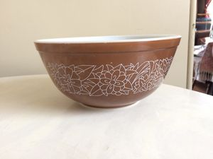 Brown Pyrex Bowl for Sale in Glendale, CA