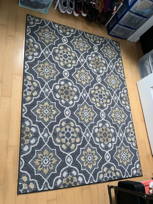4ft.x5.5ft. Area Rug (Grey, White & Pale Yellow)
