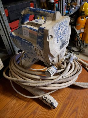Graco magnum paint sprayer for Sale in Seattle, WA